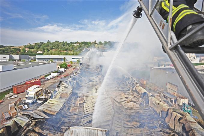 S curit incendie brignais for Les stands brignais